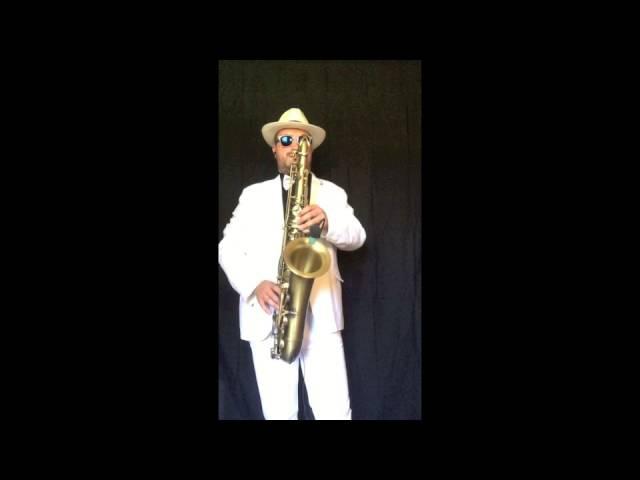 SAX SALVADOR - Besame Mucho (Tenor Sax Cover)
