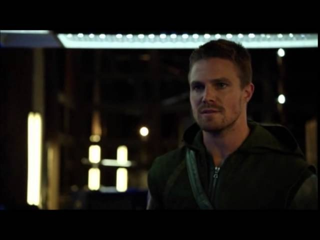 Arrow 3x04 Oliver gets punched by Nyssa