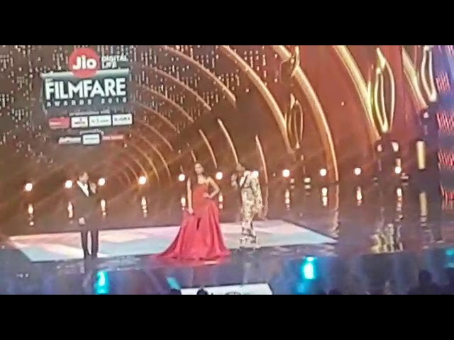 2018 FILMFARE Ranveer,srk with miss world Manushi Chillar