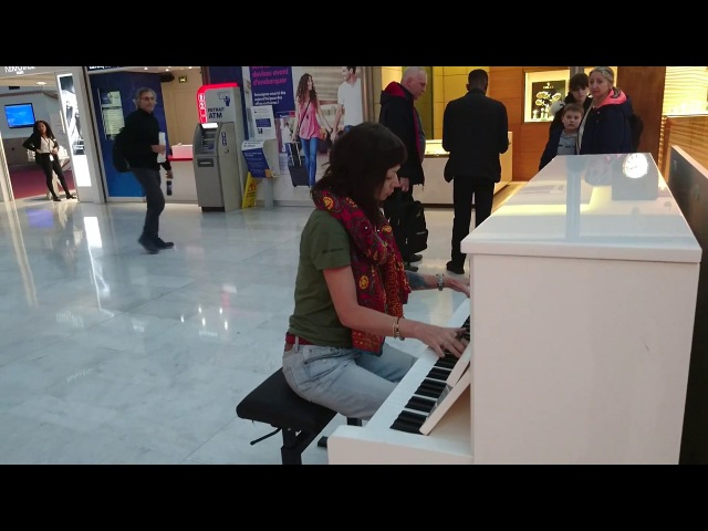 Tribute The Cranberries - Zombie in airport Charles de Gaulle - Paris
