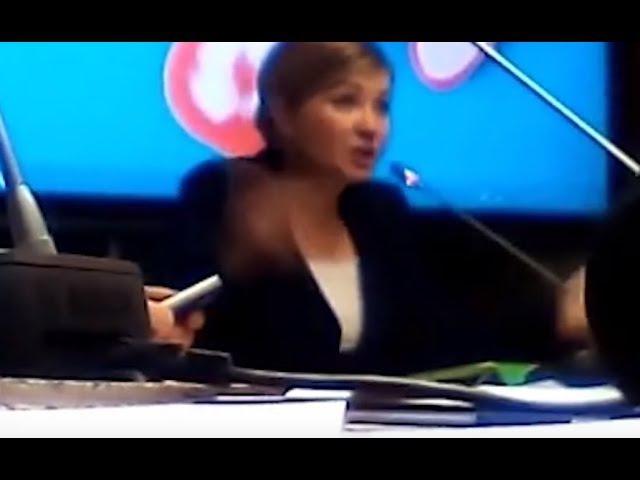Скрытая съемка. Депутат о электронном рабстве в России.