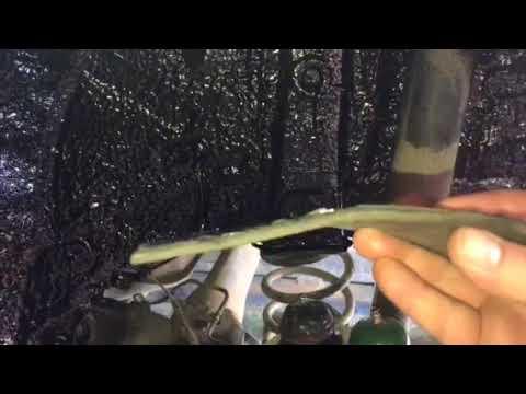 Тойота Королла, резинобитумное покрытие защитит от ржавчины, да еще и тишину в салоне установит