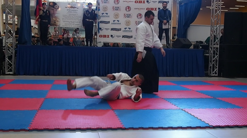 демонстрация по айкидо на Фестивале боевых искусств ЮГРЫ в городе Сургуте