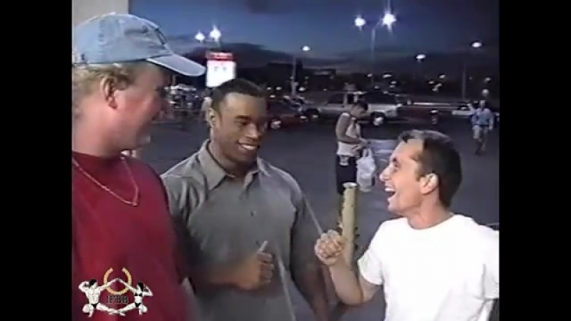 Kevin Levrone Meets Fans Before the 1999 Olympia