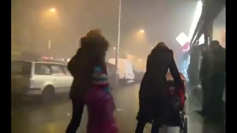 Мигранты преступники насилуют, убивают, идёт хаос по Европе. Полиция чаще всего бездействует и не справляется.