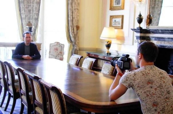 16 января 2018 г, Интервью газете Англия, Ritz, Лондон, Англия (фото, текст) Qj8sOXJp4-I