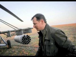 Олег Ляшко сел за штурвал вертолета Ми-8 и «расстрелял» российский авианосец.