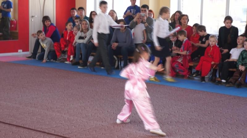 IV Открытый Кубок Золотого Дракона 16 форм чанцюань девочки пять лет (золото)