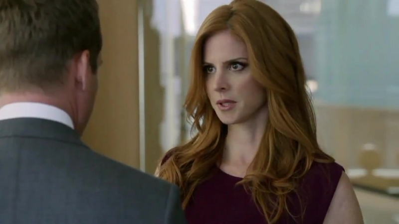 Its been a while since the last time Donna adjusted Harveys tie, fixed his hair... - - Darvey Suits
