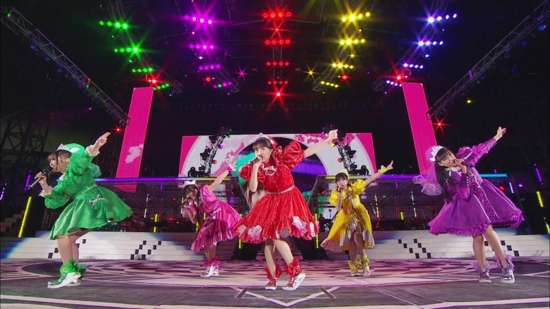 Momoiro Clover Z - Momoclo no Nippon Banzai! (Haru no Ichidaiji 2014 - Never Ending Adventure)