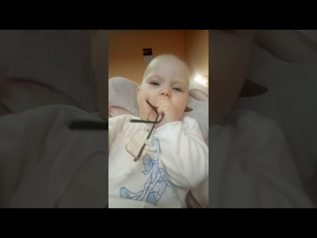 """Мартышка и очки"""
