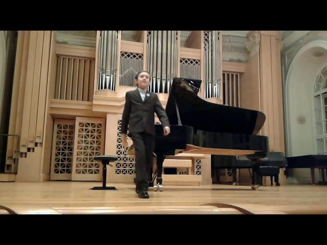 Simon Yakimov plays Clair de lune by Claude Debussy