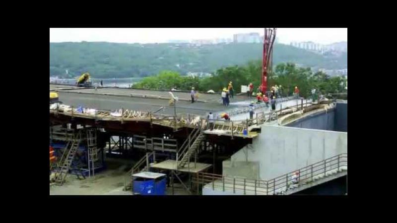 Мост через пролив Босфор Восточный во Владивостоке на остров Русский
