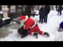 Праздник к нам приходит! (Прикол) Драка Бэтмена с Человеком Пауком и Дедом Морозом!(Batman VS Santa)