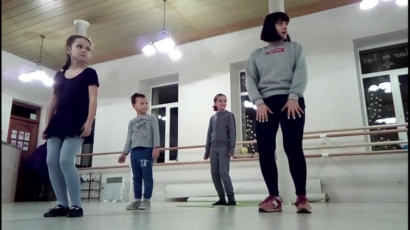 Первое занятие ХИПХОП с Кристиной Боровой • Студия развития и танца Fleur de Lys • Новороссийская-56