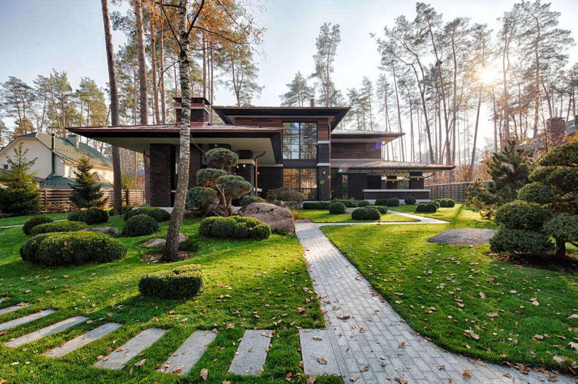 Коттедж в стиле Райта (Wright-Inspired Contemporary Home) на Украине от Yunakov architecture.