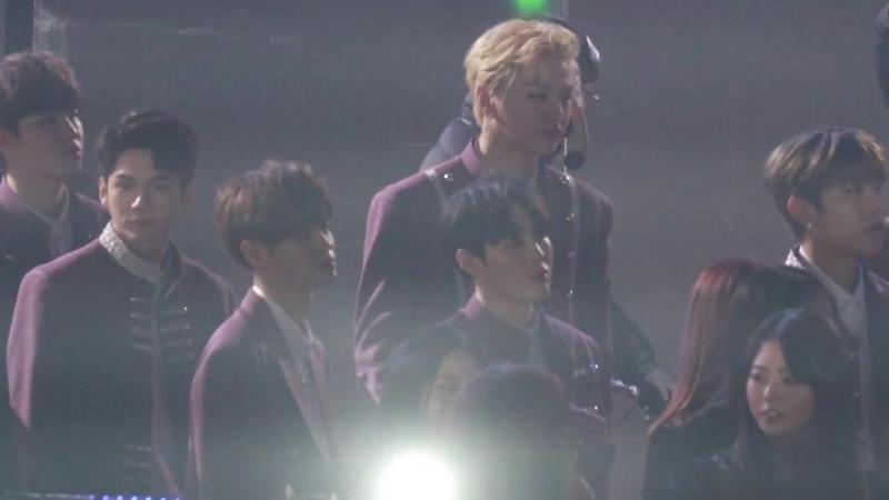 Реакция Wanna Оne на выступление BTS @ Фанкам The 27th Seoul Music Award 180125