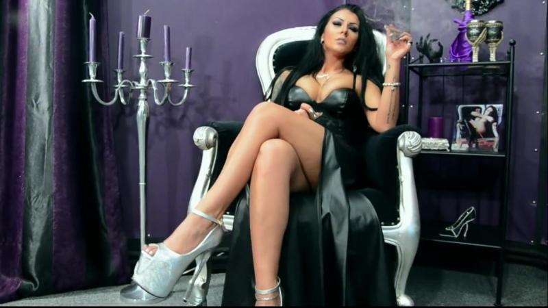 Mistress Kennya fetish teasing