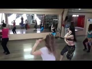 Кусочек balady от школы восточного танца