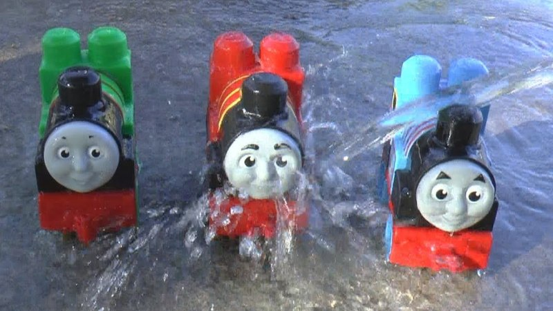 Thomas and Friends Trains Surprise Toys in the sand