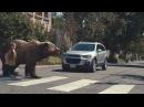 В этом ролике мам рядом с детьми заменили дикими животными