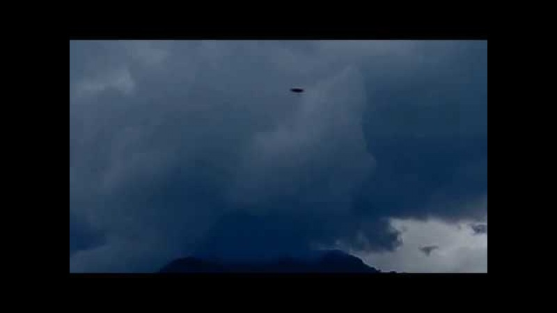 2017-10-16 OVNI pasa frente al volcán Irazú, Heredia, Costa Rica, a más de 20,000 k x h