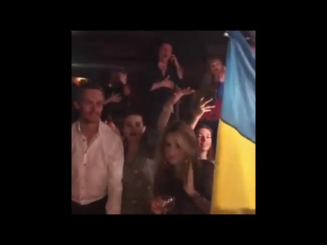 Советник Порошенко покутил в Куршевеле под гимн Украины