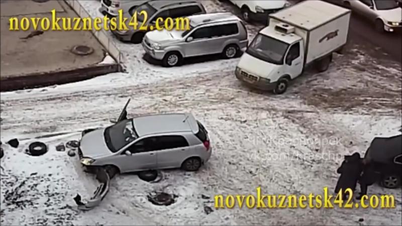 Автоледи давит задом