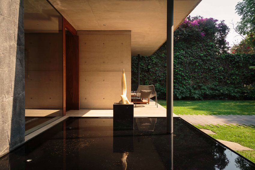JJRR Arquitectura Designs a Private Residence in Mexico City