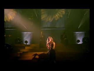 Лара Фабиан Это её первый концерт после смерти любимого человека Она вышла на сцену но не смогла запеть Тогда запел зал mp4