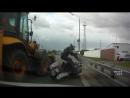 Трактор против мото!