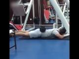 Прокачиваем мышцы спины а заодно и ануса