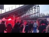 Болельщики Спартака жгут пиротехнику после отмены матча с Крыльями Советов