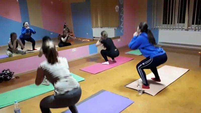 Cristmas merrychristmas sportroztiazhka stretching zdolbuniv 🎆✨🎇🎄🎄🎁🎁 @yourjane_15 @vika.korpesio @k_kukhar @daryna_kosyak @