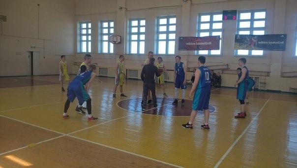 Поздравляем команду юношей Балезинского района по баскетболу