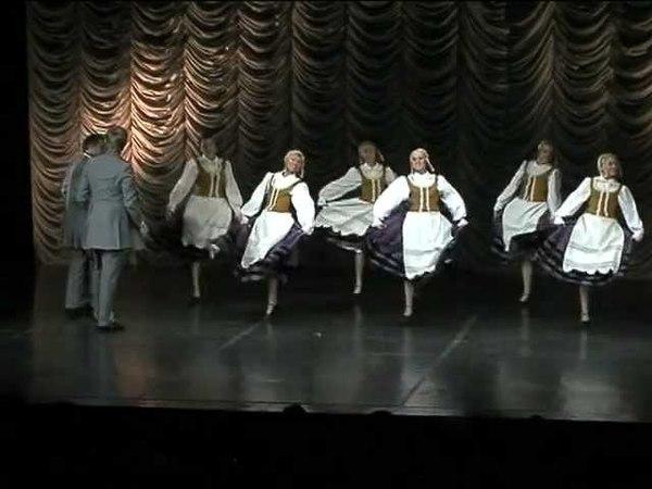 Kaimiškas fokstrotas. Choreografija Rūtos Žalnieriūnaitės