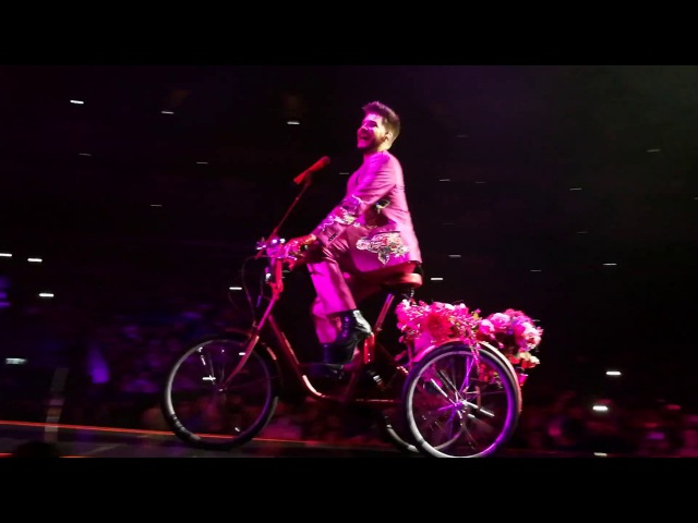 QUEEN ADAM LAMBERT - Dont Stop Me Now partial, Bicycle Race, London, O2, 2nd night, 13.12.2017