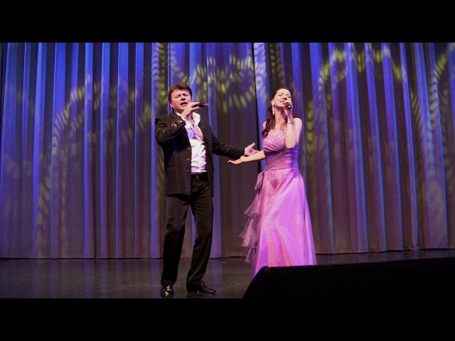 Молдавская зажигательная песня Sanie cu zurgalai на русском -- Славич и Юлия