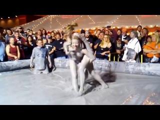 Female MUD Wrestling River Run Laugh line:Bayanlar çamur güreşi, Turkey, (Applications Storm)