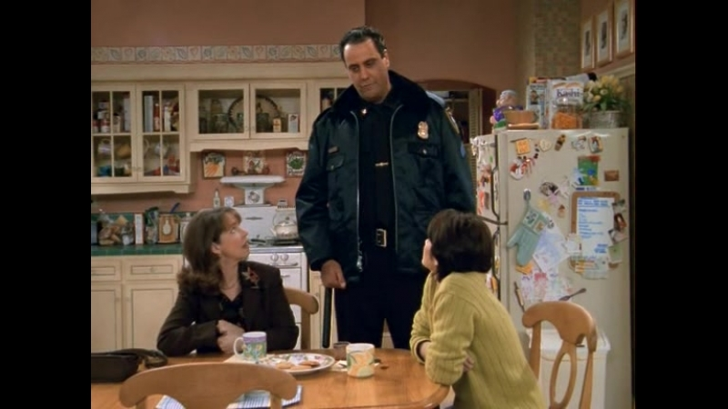 Everybody Loves Raymond - 01x14 - Whos Handsome