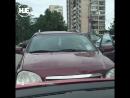 В Питере женщина за рулем машины вывела из себя неадекватного хама
