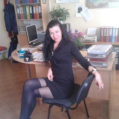 Юля показывает себя по вебке