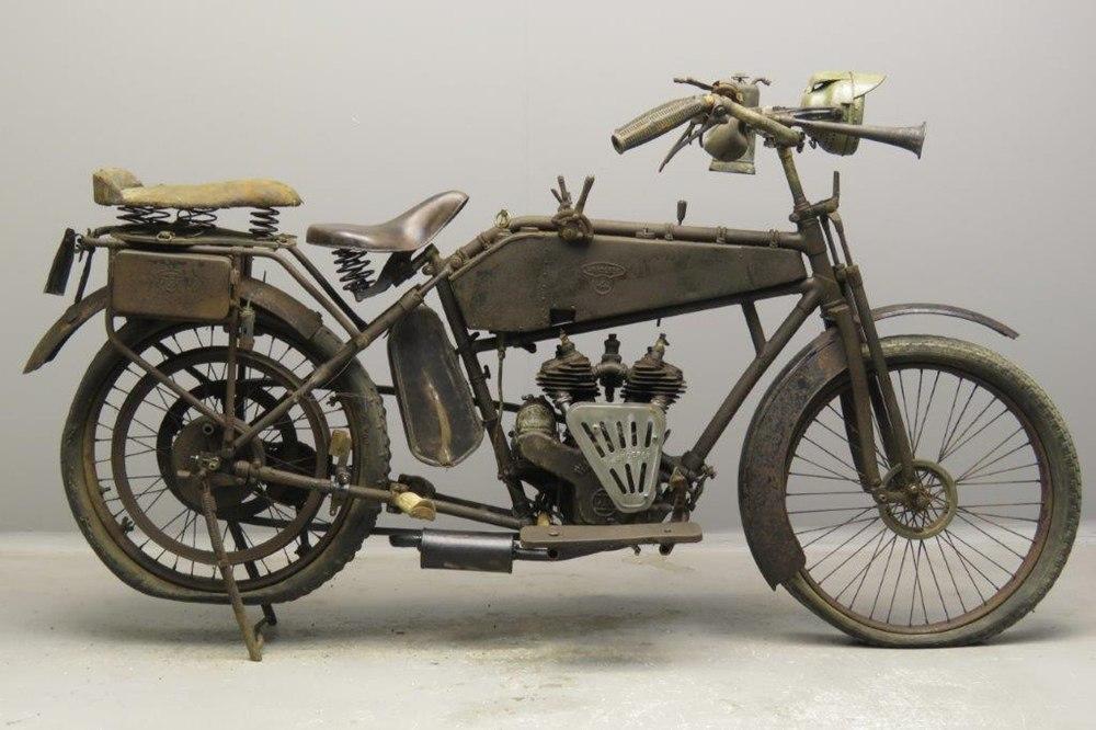Старинный мотоцикл Wanderer 4PS 1916