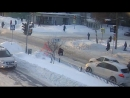 Моральный урод из Ярославля. Пешеход упал на зебре, водитель поехал напролом. ДТП