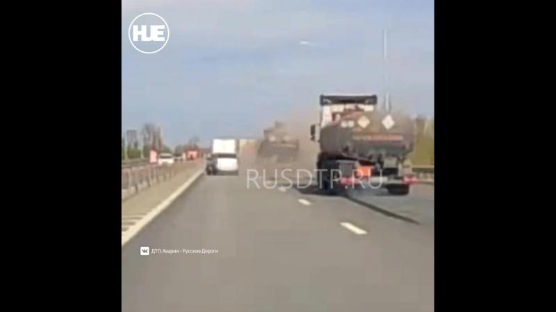 ДТП в Ростове бензовоз врезался в машины, стоявшие в пробке