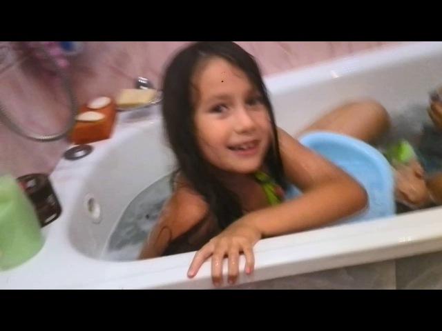 играем и бесимся в ванне Плохие детки Много пенны Развлекательное видео для детей