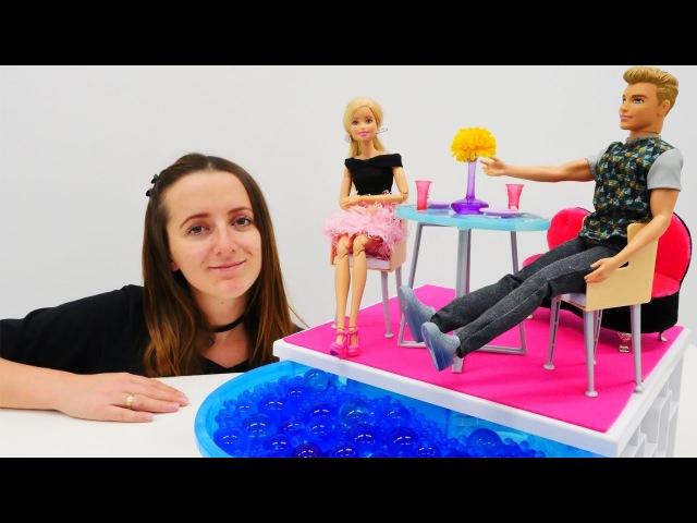 Видео для девочек. КАПРИЗНОЙ Барби не понравился сюрприз от Кена 🙈 Как угодить ...