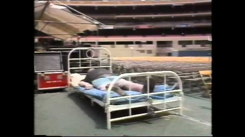 PINK FLOYD Tour 1988 Three Rivers Stadium Pittsburgh, PA A Momentary Lapse of Reason Tour