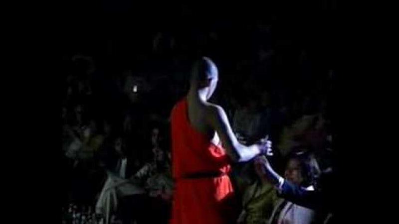 Shaolin Kungfu Demo 8- Needle Pierce Through A Pan Of Glass
