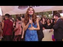 Alejandra Espinoza reveló en la alfombra de los Latin Grammy que tendrá un niño